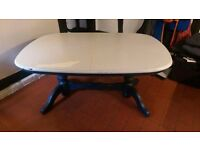Solid pine oval exstendible table