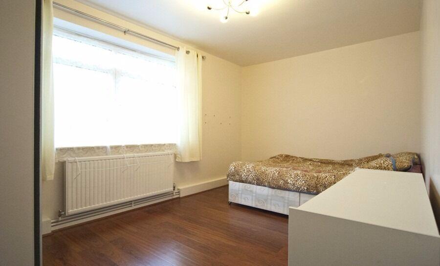 Modern Double Room in Paddington