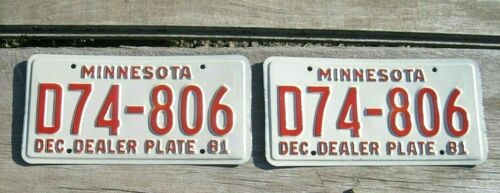 UNUSED Vintage 1981 PAIR MINNESOTA License DEALER PLATE White & Red