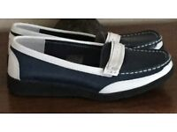 LADIES COMFORT LEATHER SHOES SIZE 4