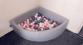 KiddyMoon Corner Ballpit