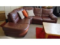 Deluxe stylish L-shaped leather sofa