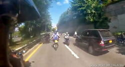 range-rover-biker-crash-1