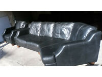 BLACK LEATHER CURVED CORNER SOFA WITH MATCHING CHAIR SOLID WOOD FEET REALLY COMFY VIEWING WELCOME