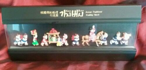 Korean Traditional Wedding March Shadow Box 3D Figures English Wall  Hanging