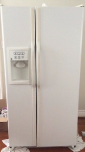 General Electric Refrigerator in perfect working condition!