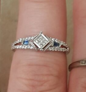 Beautiful 18k white gold diamond ring!