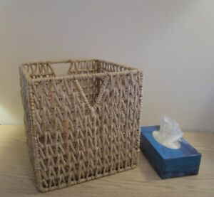 Wicker basket and 2 kitchen books
