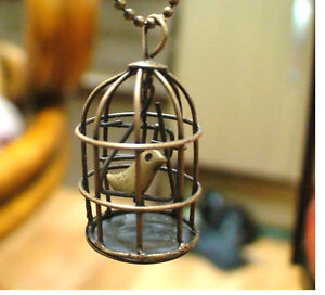 Vintage-Nightingale-Sing-Bird-in-Cage-Copper-Pendant-Necklace-32