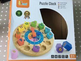 Wooden round clock