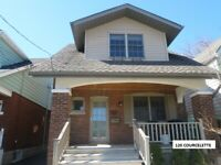120 COURCELETTE, Vic Park/Kingston Rd, 2BR/2BATH, Parking/Yard