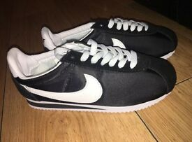 BLACK and WHITE vintage Nike Cortez size 3