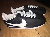 BLACK and WHITE vintage Nike Cortez size 3