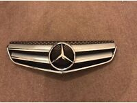 2011 Mercedes Benz E- Class W207 coupe front grill