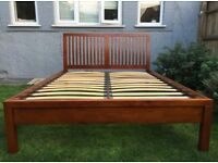 Beautiful Willis and Gambier King Size Bed frame, very good condition