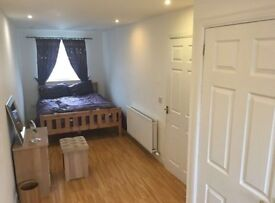 All Bills included - Large double room with private bathroom - Short Term/ Long Term