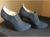 Navy High-heel boots