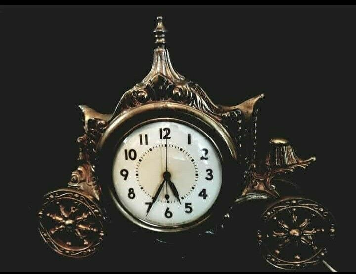 Haunted Mantle clock