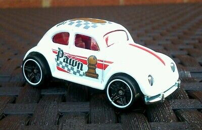 Hot wheels volkswagen oval window beetle white