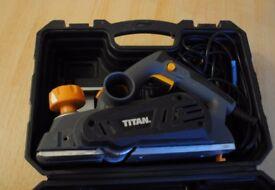 Titan TTB291PLN 900W Electric Planer