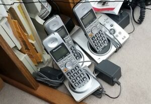 Panasonic 3 handset cordless phone with answer system.