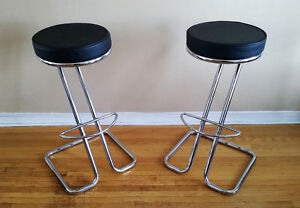 Set of 2 Zeus Counter Stools