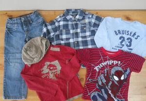 Garçon (4/5 ans) Lot de 5 vêtements (15$ pour les 5)