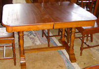 TRESTLED BASED ANTIQUE DINING ROOM TABLE