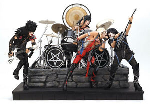 WANTED WANTED MCFARLANE MUSIC ROCK FIGURES WANTED WANTED