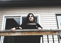 Singer searching for a band
