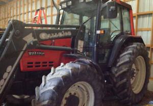 Tractor with loader,4x4,cab with air and heat,snowblower,100hp