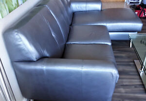 Gorgeous Contemporary SilverGrey Leather Love Seat Chais Lounge Kitchener / Waterloo Kitchener Area image 3