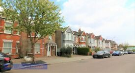 Ground Floor Conversion Flat with Garden in Ashurst Road N12