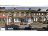 3 Bed, 2 Receptions to Rent £1,500pcm