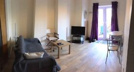 Large double bedroom with separate access, bathroom, lounge, kitchen £600 all inclusive
