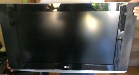 "LG 32LX2R 32"" LCD WIDESCREEN HD 720p 1080i 16:9 TV, DVI-I, HDMI, S-Video input, SCART"