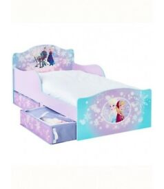 Frozen Toddler Bed from smoke and pet free home