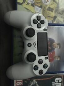 PS4 Slim 500GB White Excellent Condition + 3 Games FAST SALE