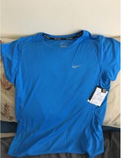 Womens nike DRI FIT running shirtin Blaina, Blaenau GwentGumtree - Brand new with tags, bought at Nike factory but was placed in with mens gear so got mixed up and doesnt fit.Size Medium, unworn, paid £30, selling for £15 as its too far away to return to Swindon, pick up or can send via post.Thanks