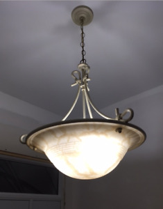 BEAUTIFUL ENTRYWAY CHANDELIER IN PERFECT CONDITION!!