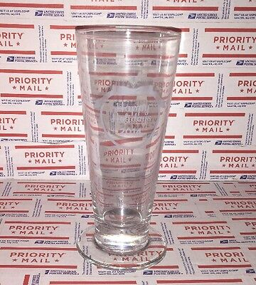 Bjs Restaurant   Brewhouse Happy Holidays 2014 Etched Beer Glass  12