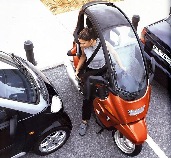 BMW C1: die einen überschlagen sich mit Lob, die anderen lassen den Motorroller links liegen