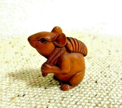 Japanese Netsuke wood caving Rat mouse Ojime inro SAGEMONO Carrying a load