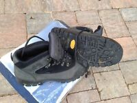 Peter Storm Vibram Mens Walking Boots - boxed. Size 9