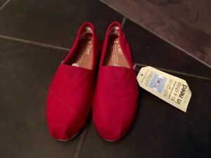 Brand New Toms Shoes size 5