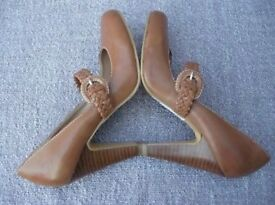 Dorethy Perkins tan Mary Jane shoes size 5