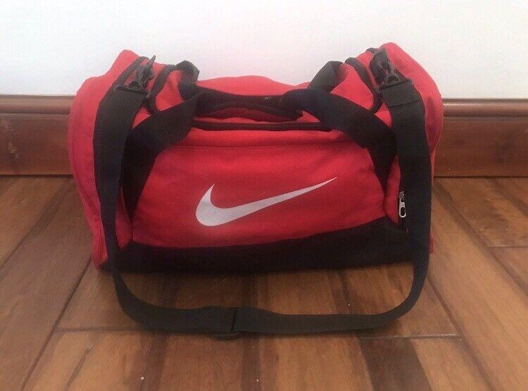 2b0cb7de725a Red NIKE Sports Duffel Bag (MEDIUM)