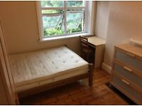 Great room in great location on old Kent road near borough elephant and castle tower bridge