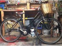 Vintage ladies Dutch style bike!