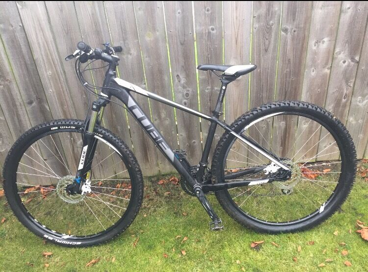 Cube Mountain Bike 17 Inch Frame 29 Inch Wheels Only 1 Year Old